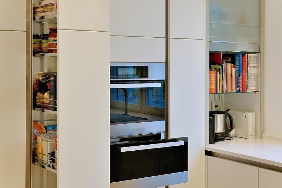 vorratsschrank k che wei. Black Bedroom Furniture Sets. Home Design Ideas